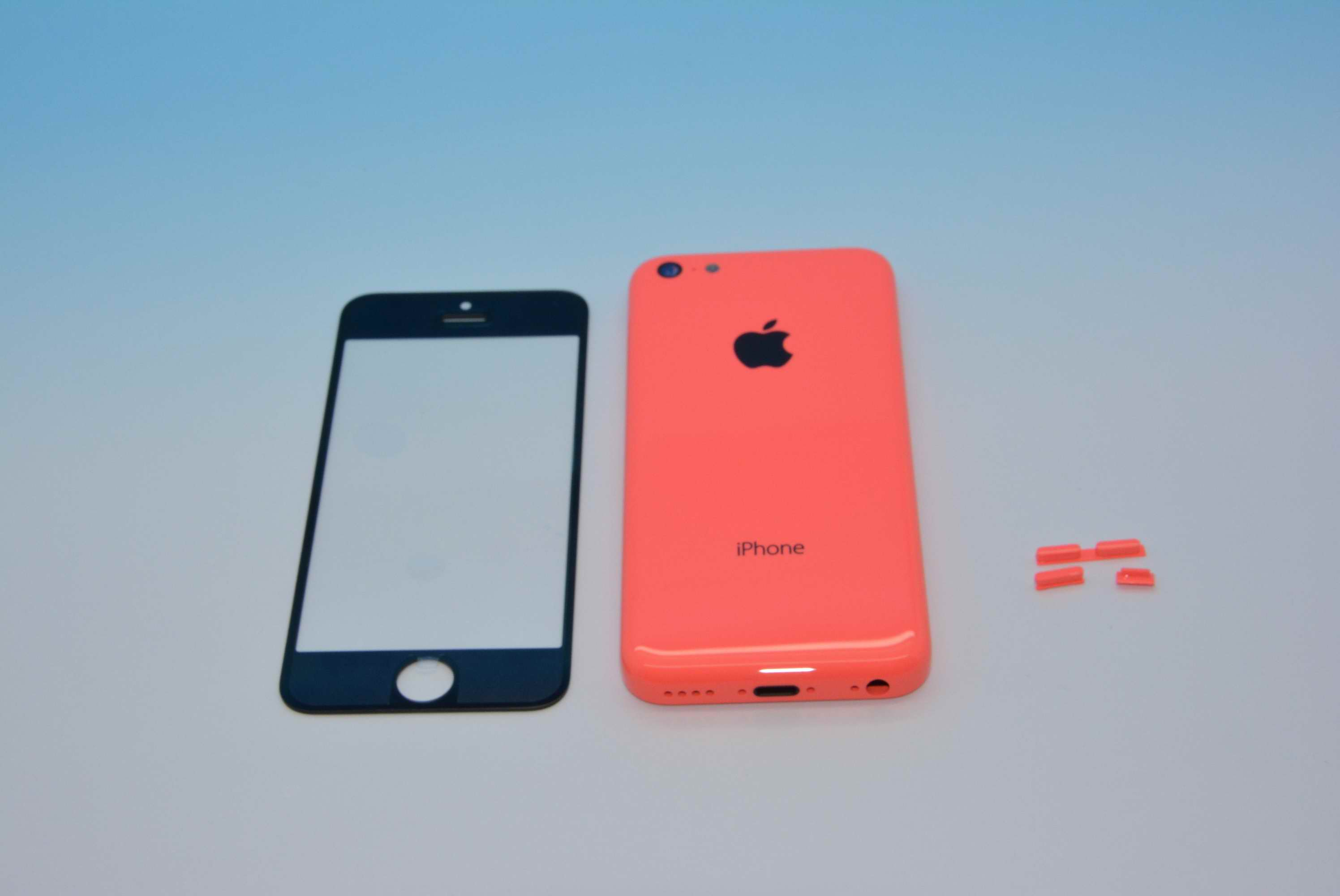 red iphone 5c on with the iphone 5c back housing 4944